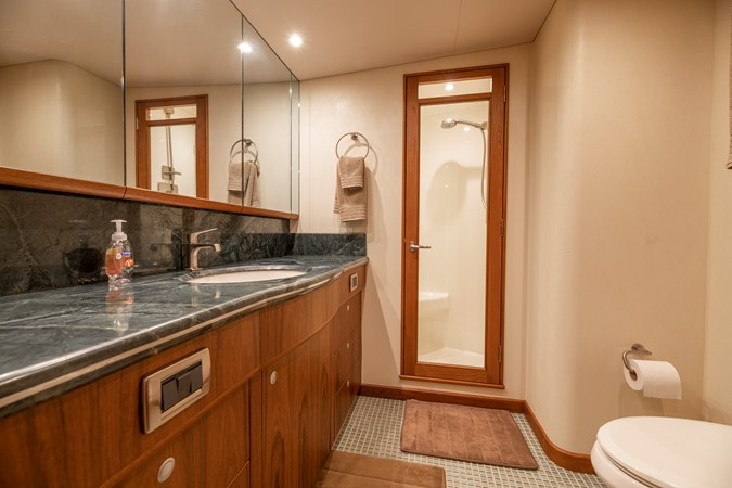Master Bath 2011 MERRITT BOAT WORKS Enclosed Bridge  Sport Fisherman 2598726