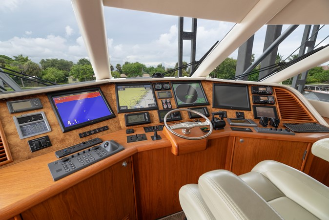 Enclosed Bridge Helm 2011 MERRITT BOAT WORKS Enclosed Bridge  Sport Fisherman 2598732