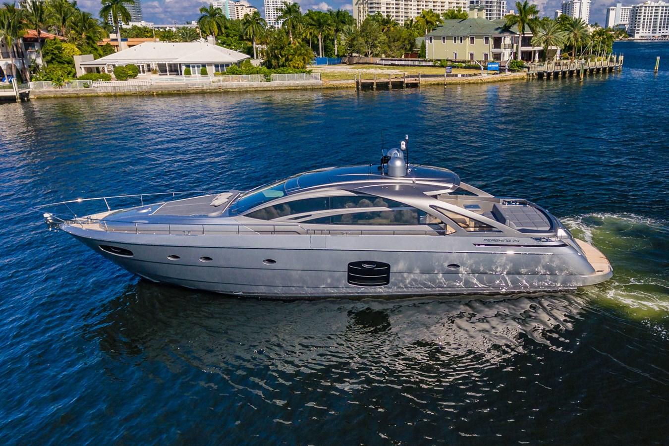 Profile 2017 PERSHING Motor yacht Motor Yacht 2716993