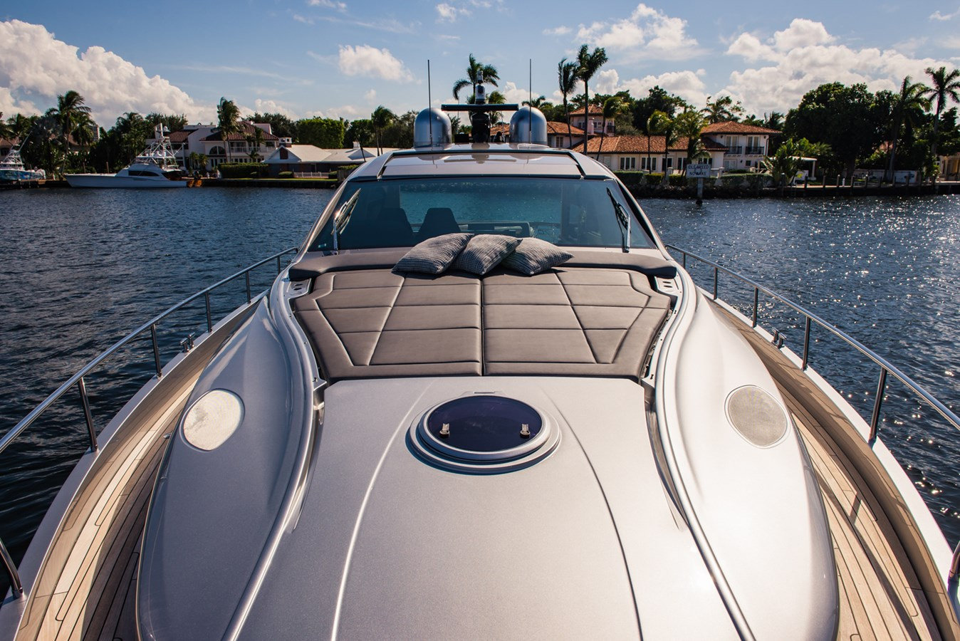 Forward Deck 2017 PERSHING Motor yacht Motor Yacht 2717023