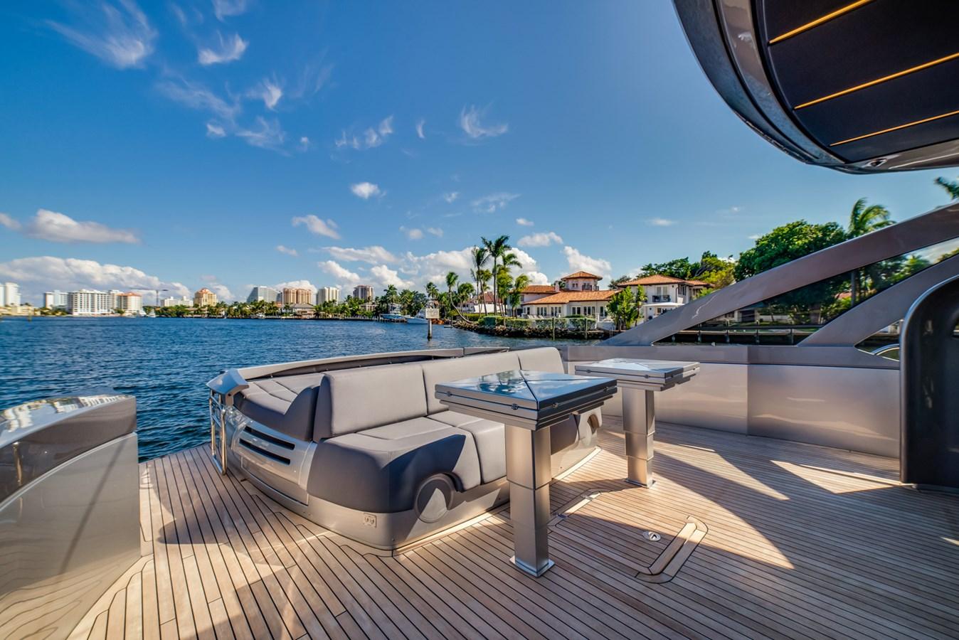 Aft Deck  2017 PERSHING Motor yacht Motor Yacht 2717029