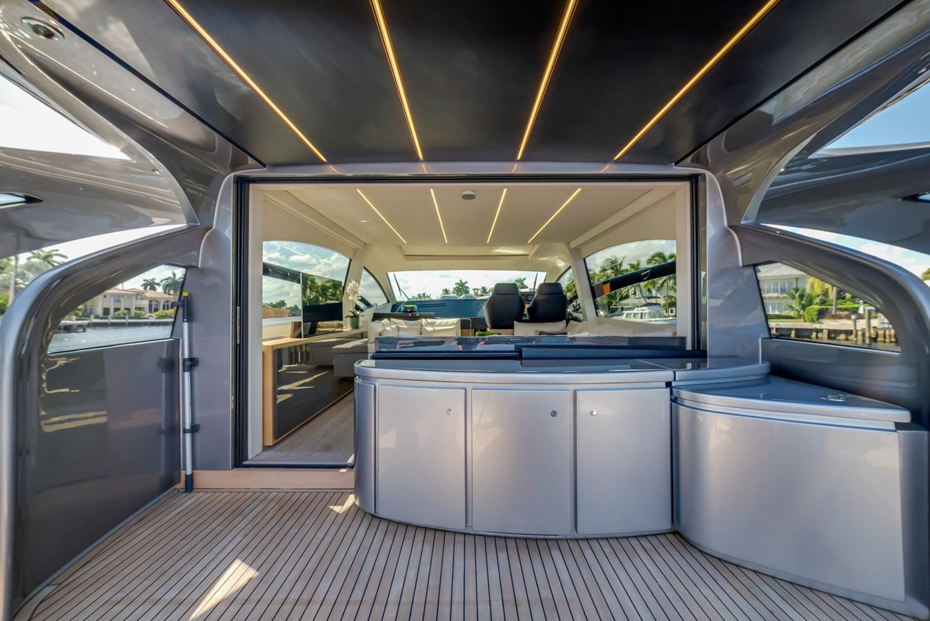 Aft Deck  2017 PERSHING Motor yacht Motor Yacht 2717034
