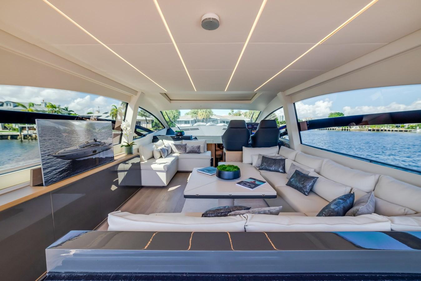 Salon 2017 PERSHING Motor yacht Motor Yacht 2717037