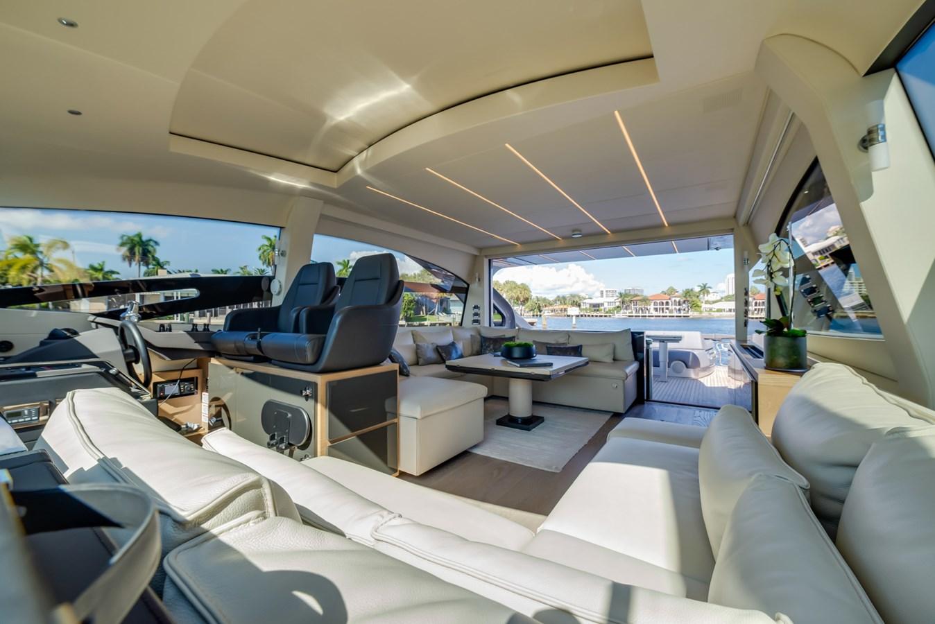 Salon 2017 PERSHING Motor yacht Motor Yacht 2717146