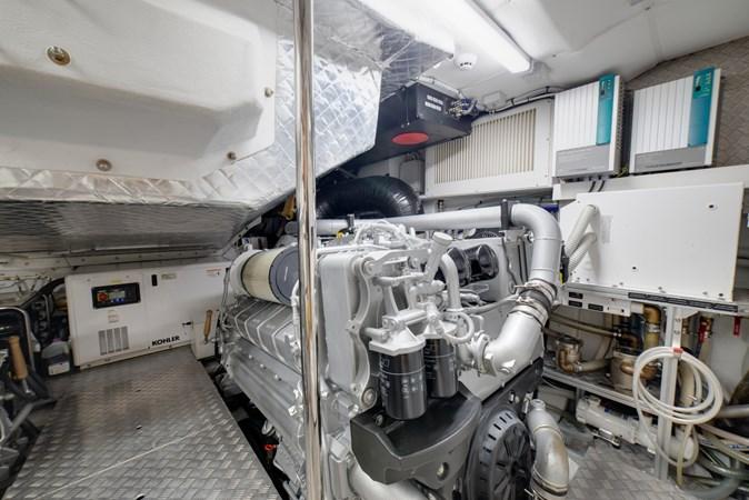 Engine Room 2 2017 PERSHING Motor yacht Motor Yacht 2706040