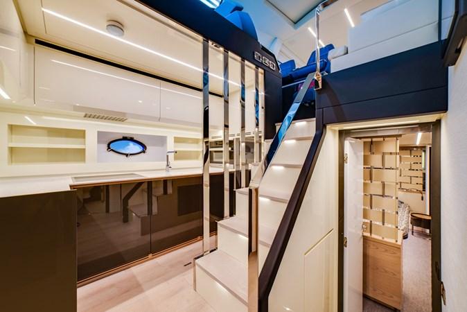 Galley 2 2017 PERSHING Motor yacht Motor Yacht 2706043
