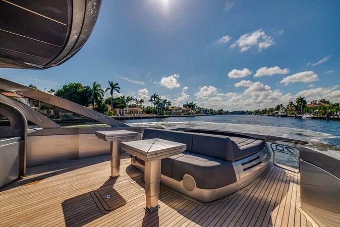 Aft Deck 3 2017 PERSHING Motor yacht Motor Yacht 2717031
