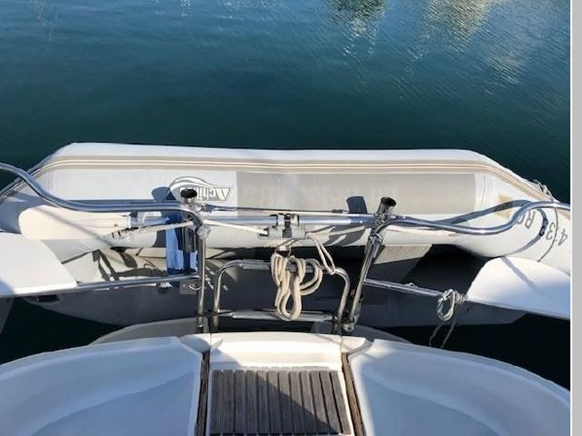 1993 HUNTER Vision 36 Cruising Sailboat 2599566