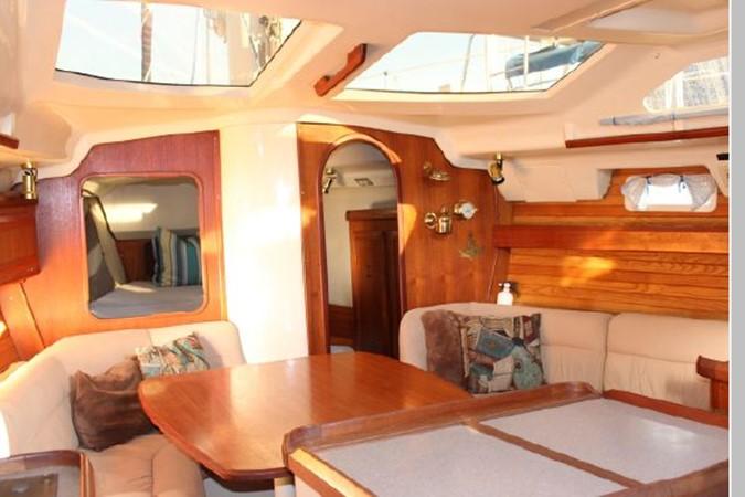 1993 HUNTER Vision 36 Cruising Sailboat 2599489