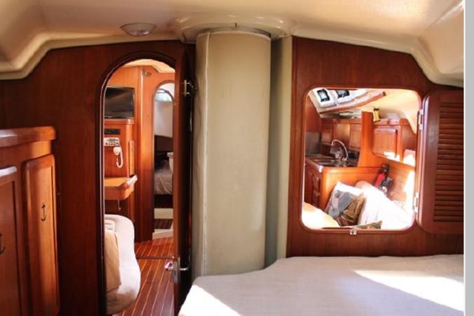 1993 HUNTER Vision 36 Cruising Sailboat 2599492