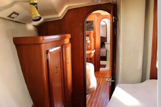 1993 HUNTER Vision 36 Cruising Sailboat 2599494