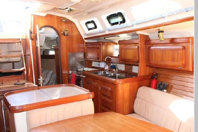 1993 HUNTER Vision 36 Cruising Sailboat 2599495