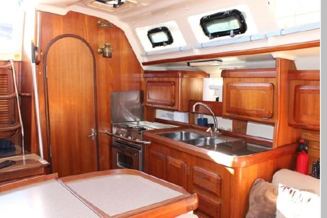 1993 HUNTER Vision 36 Cruising Sailboat 2599496