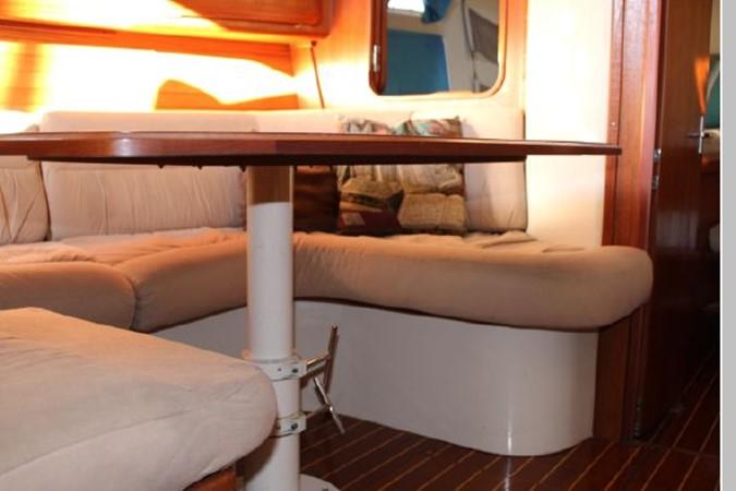 1993 HUNTER Vision 36 Cruising Sailboat 2599501