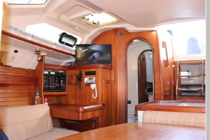 1993 HUNTER Vision 36 Cruising Sailboat 2599502