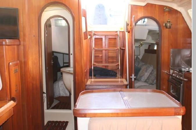 1993 HUNTER Vision 36 Cruising Sailboat 2599504