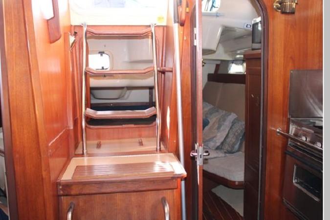 1993 HUNTER Vision 36 Cruising Sailboat 2599505