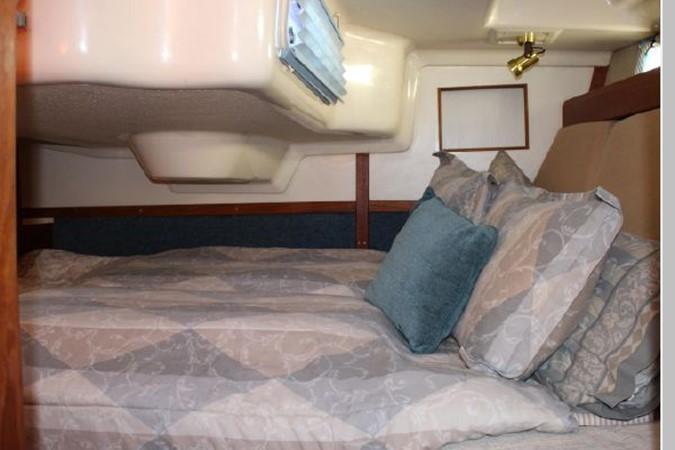 1993 HUNTER Vision 36 Cruising Sailboat 2599507