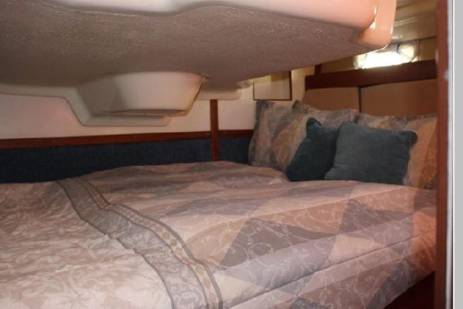 1993 HUNTER Vision 36 Cruising Sailboat 2599508