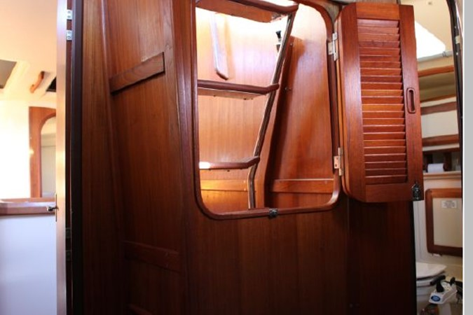 1993 HUNTER Vision 36 Cruising Sailboat 2599510