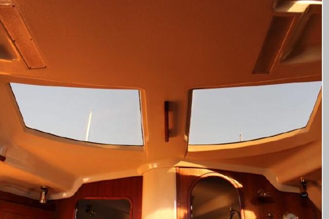 1993 HUNTER Vision 36 Cruising Sailboat 2599515
