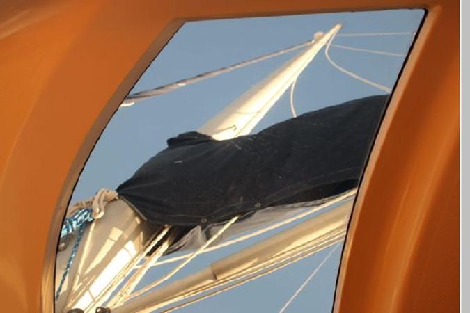1993 HUNTER Vision 36 Cruising Sailboat 2599516