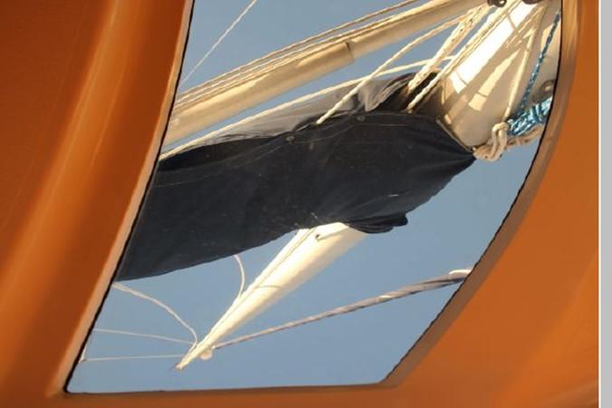 1993 HUNTER Vision 36 Cruising Sailboat 2599517