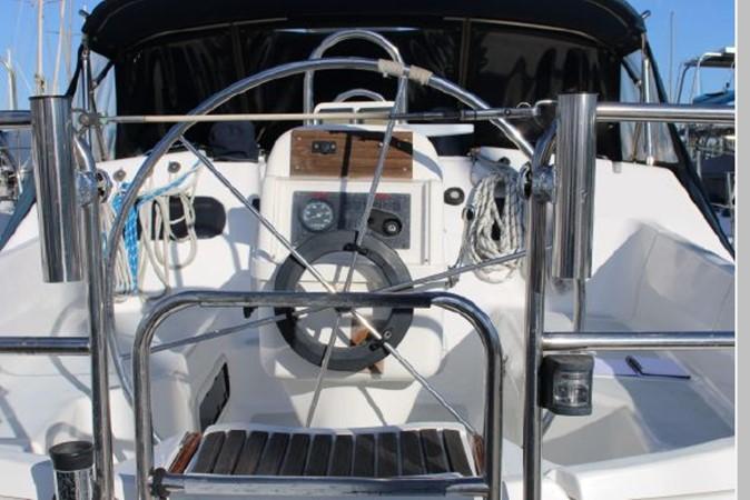 1993 HUNTER Vision 36 Cruising Sailboat 2599519