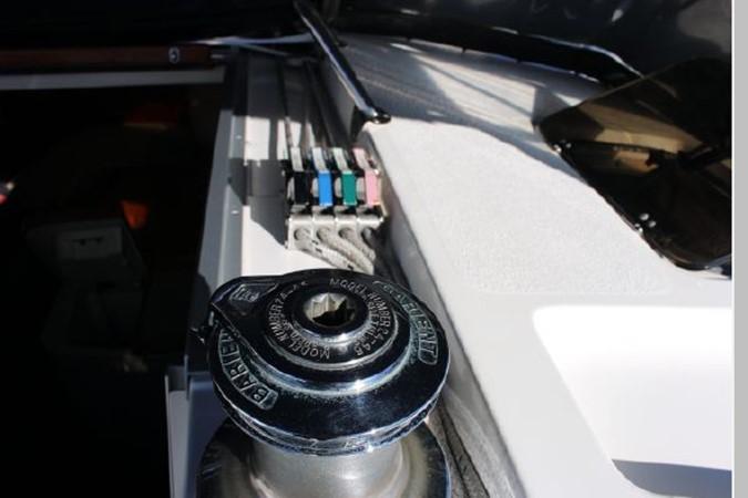 1993 HUNTER Vision 36 Cruising Sailboat 2599526
