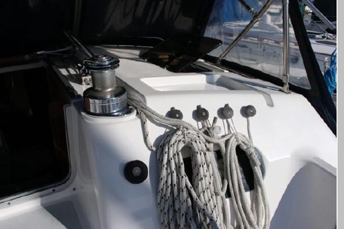1993 HUNTER Vision 36 Cruising Sailboat 2599527