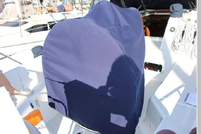 1993 HUNTER Vision 36 Cruising Sailboat 2599528