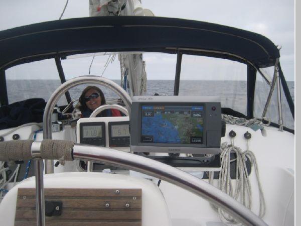 1993 HUNTER Vision 36 Cruising Sailboat 2599529