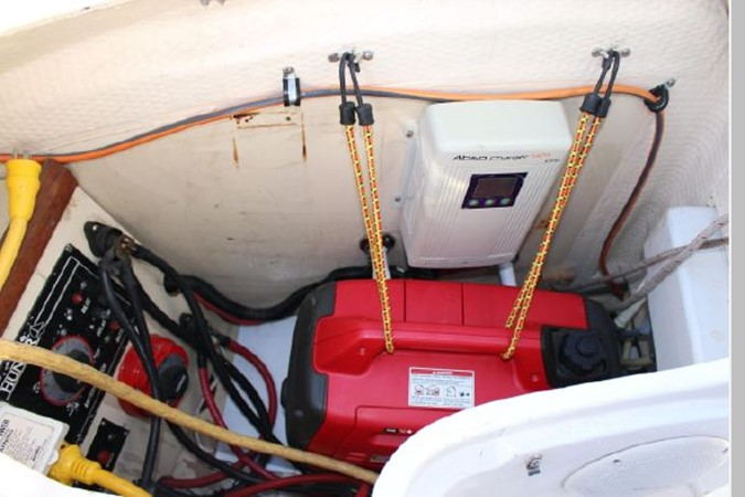 1993 HUNTER Vision 36 Cruising Sailboat 2599531