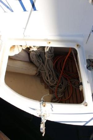 1993 HUNTER Vision 36 Cruising Sailboat 2599537