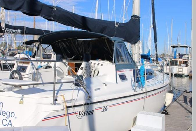 1993 HUNTER Vision 36 Cruising Sailboat 2599540