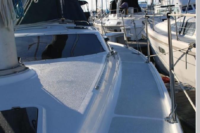 1993 HUNTER Vision 36 Cruising Sailboat 2599548