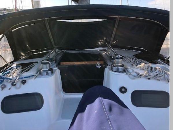 1993 HUNTER Vision 36 Cruising Sailboat 2599564