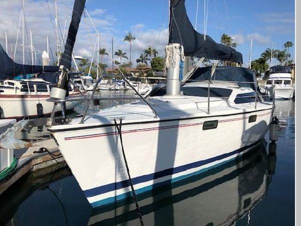 1993 HUNTER Vision 36 Cruising Sailboat 2599573