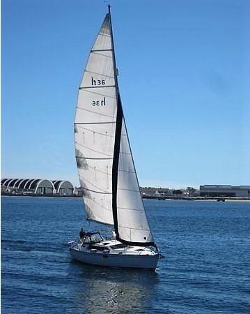 1993 HUNTER Vision 36 Cruising Sailboat 2599575