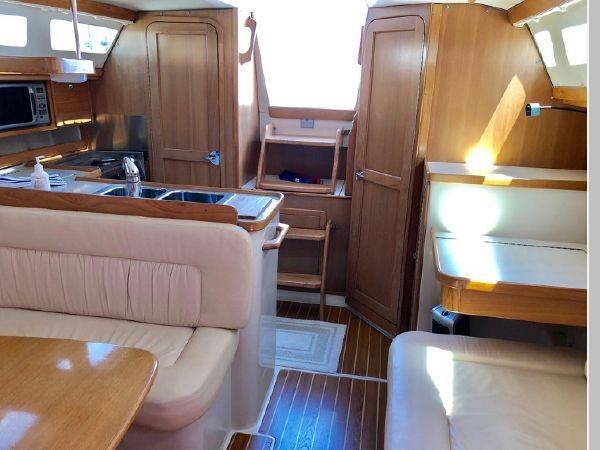 2006 CATALINA 34 MKII Cruising/Racing Sailboat 2599836