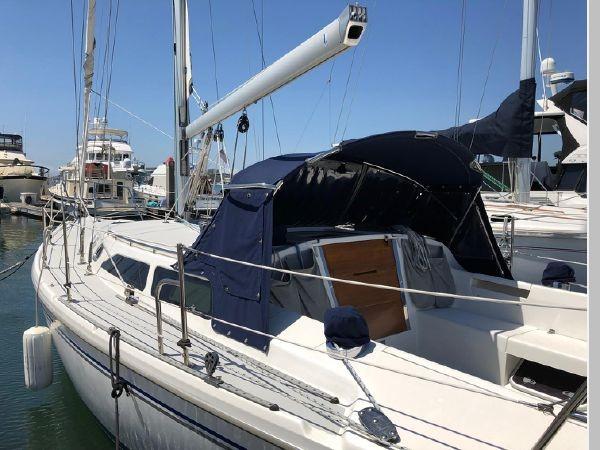 2006 CATALINA 34 MKII Cruising/Racing Sailboat 2599850