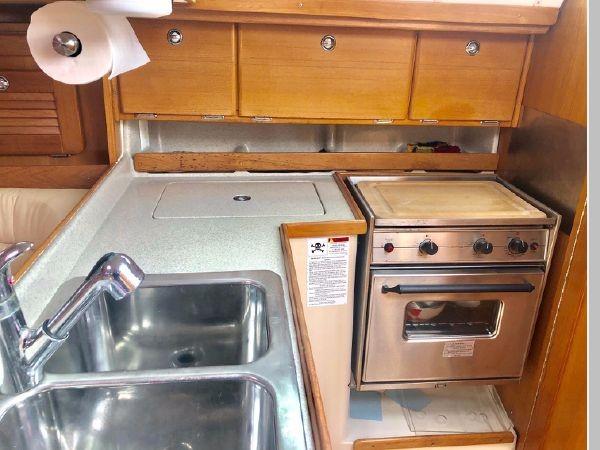2006 CATALINA 34 MK II Cruising Sailboat 2599864