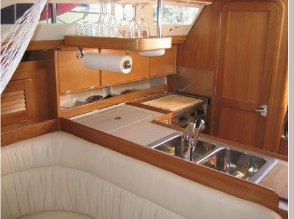 2006 CATALINA 34 MK II Cruising Sailboat 2599868