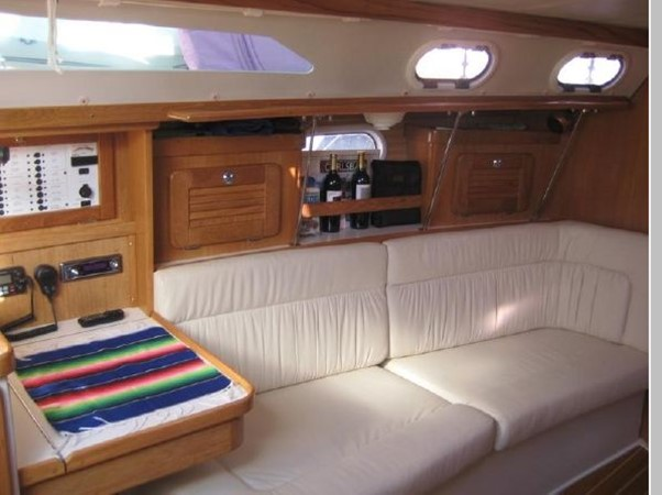 2006 CATALINA 34 MK II Cruising Sailboat 2599869