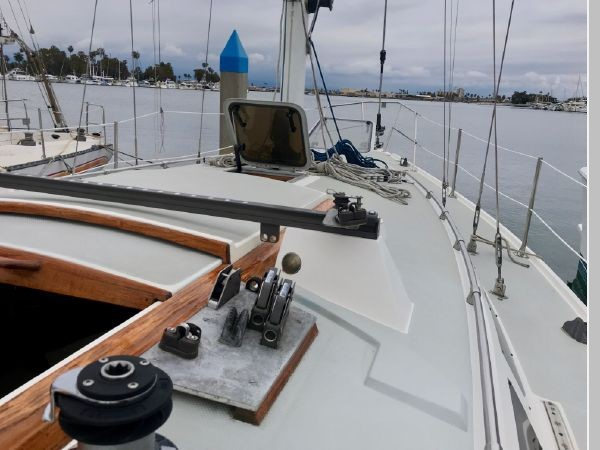 1987 CATALINA 34T Cruising/Racing Sailboat 2599956