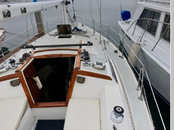 1987 CATALINA 34T Cruising/Racing Sailboat 2599964