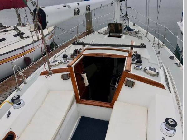 1987 CATALINA 34T Cruising/Racing Sailboat 2599969