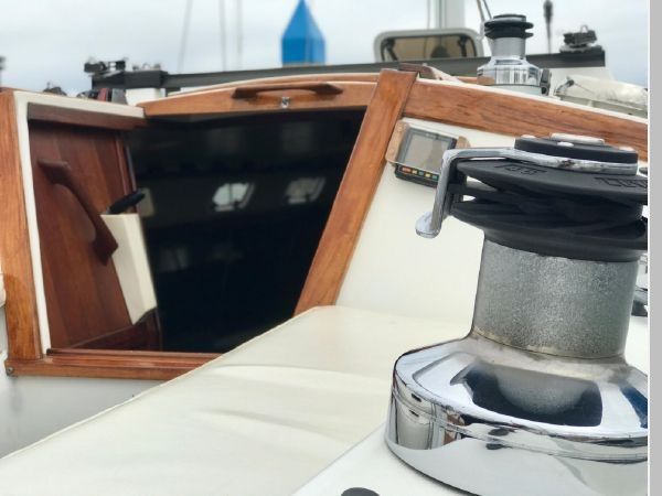 1987 CATALINA 34T Cruising/Racing Sailboat 2599982