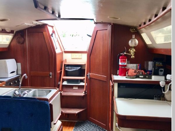 1987 CATALINA 34T Cruising/Racing Sailboat 2600016