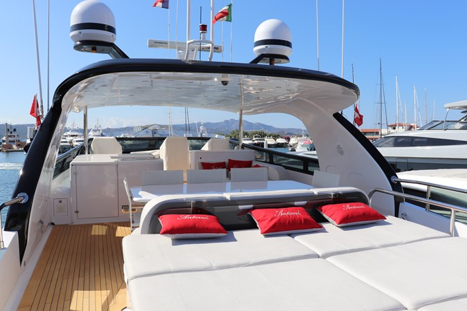 2011 MAIORA  Commercial Vessel 2619195